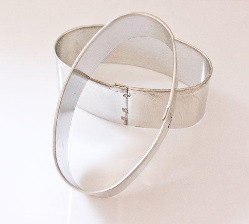 Metalni-izrezivač-oval
