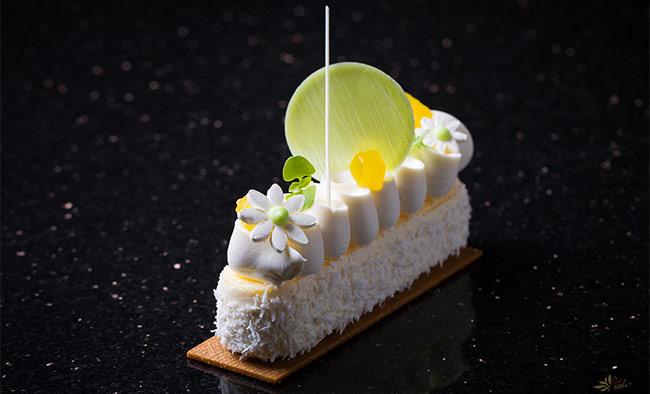 Recept:Cheesecake od jogurta, kokosa i ananasa by Antonio Bachour